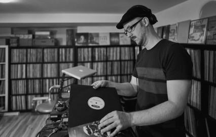 DJ Scientist by by Igor Leonidovic